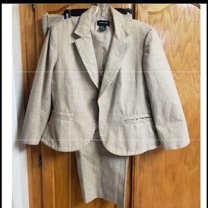 Focus 2000 Gold Suit: Pant & Blazer, Size 16